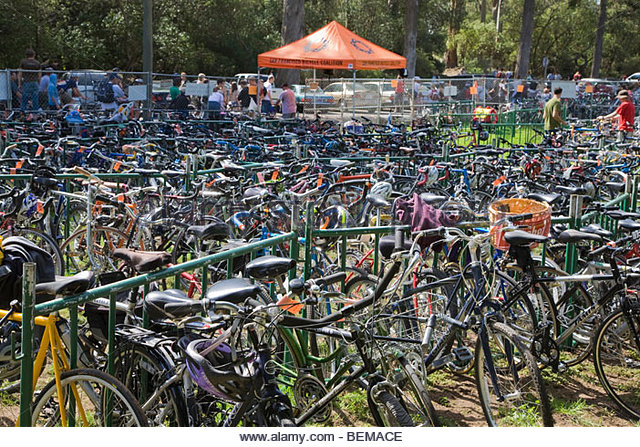 a-free-secure-bike-parking-area-at-the-hardly-strictly-bluegrass-festival-bemace